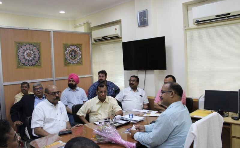 Chairman, HRAO along with travel trade meeting with Honble Minister Tourism at his Secretariat Chamber on pending issues of HRAO